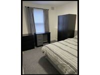 Fully furnished room to let L15 area all bills included