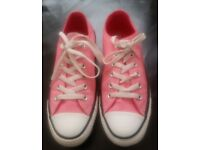 Womens/Girls Pink ALL STAR CONVERSE LO-TOPS Size 6 Great Condition