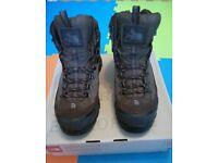 Hiking Boots - The North Face - Size 7.5