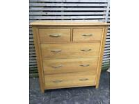 Solid oak chest of drawers, excellent quality and great condition by Devonshire Furnishings