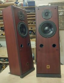 Heybrook Heylo Speakers with Stands