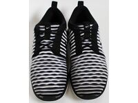 Women's Size 4.5 Nike Running Trainers - Black and White