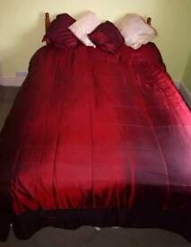 Bedspread and matching pillow cases Burgundy / cream excellent condition