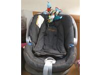 Mama & Papas Cybex Car Seat with Isofix Base