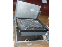 spirit folio fx8 mixer in aluminium flightcase (tiltable lid)