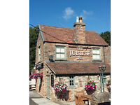 Chef de Partie & Commis Chef/Kitchen Assistant Required - Flax Bourton