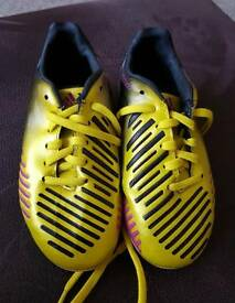 Kids Adidas football boots infant 10