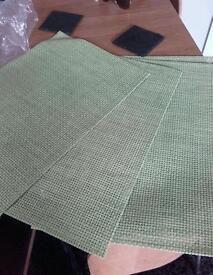 Place mats × 4