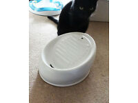 Ceramic Water Fountain for Cats and Dogs - perfect condition