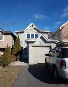 FULLY RENOVATED 3 BED / 3 BATH DETACHED HOME FOR LEASE @ AJAX