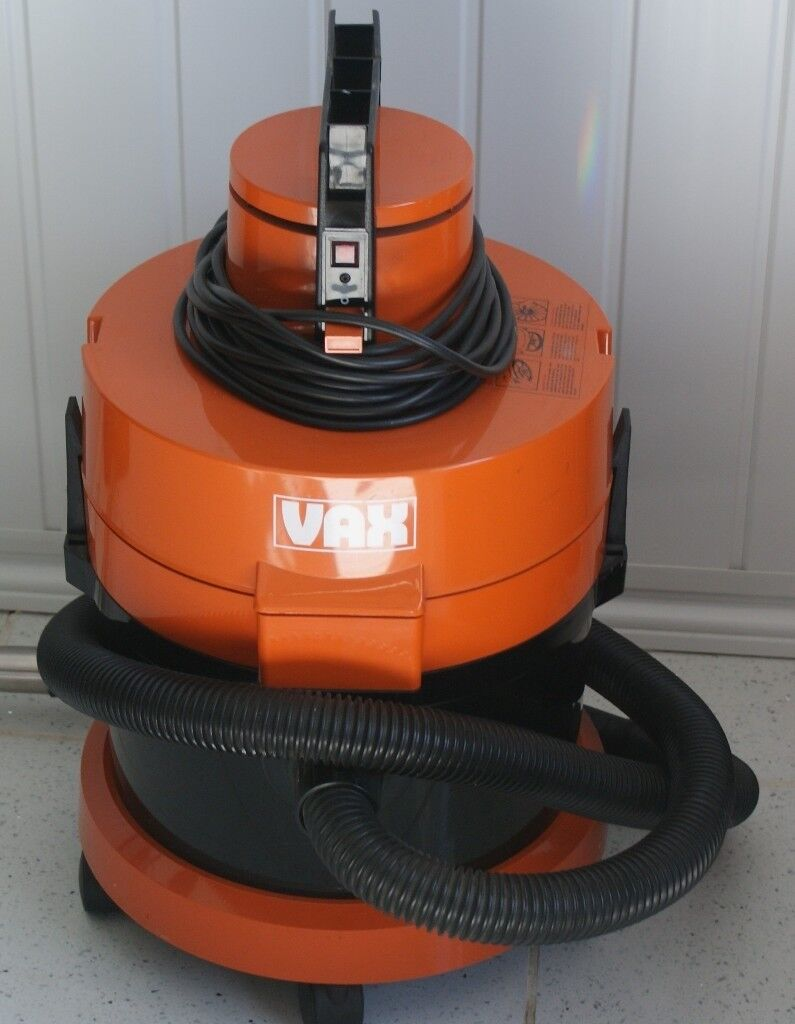 VAX POWERFUL 1000 WATT ROBUST CYLINDER VACUUM CLEANER AS NEW, ONLY45 CAN DELIVERin Sleaford, Lincolnshire - I have for sale a red VAX cylinder 121 vacuum cleaner in excellent, as new condition. A very robust cleaner with an impressive 1000 watt motor. In little used condition, bargain price and delivery may be possible for an extra charge