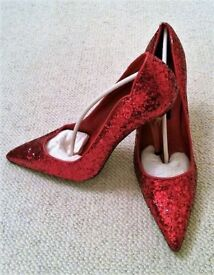 NEW Fashion Flair Design: Red Court Shoes: Size 41/ 8 Style: Glitter Dorothy. Accessories/ Christmas