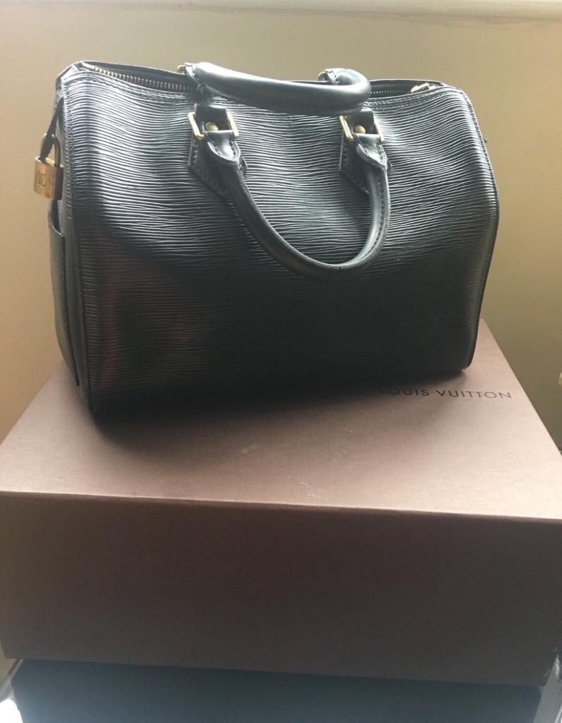 9b3987f1d73d Louis Vuitton black epi leather speedy 30
