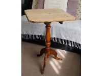 Pretty Solid Mahogany Occasional - Side Table