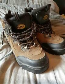Mens steel cap boots
