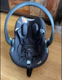 Baby car seat: BeSafe iZi Go Car Seat, Group 0+, 0-13kg newborn/ baby, rear facing