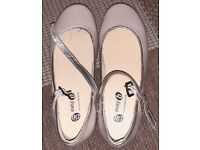 Easy B size UK 4 Casual Mary Janes