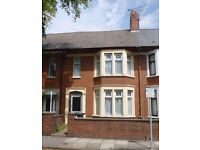 STUDENT HOUSE TO LET - 5 BEDROOMS - ROATH CARDIFF - NO RENT FOR JULY & AUGUST 2017