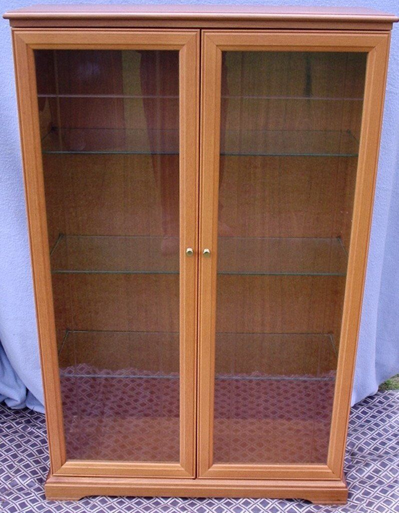 WOODEN DISPLAY CABINET with GLASS DOORS & 3 ADJUSTABLE GLASS SHELVES