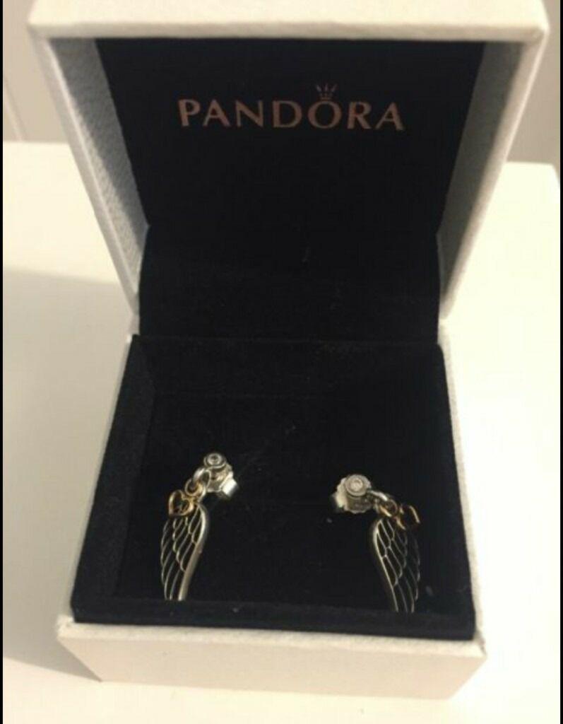 pandora earrings boxed