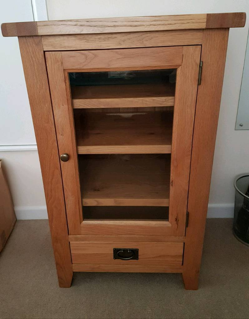 Reduced Solid Oak Electronicshi Fi Cabinet With Bevelled Glass