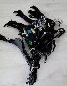 Coat/clothes hangers
