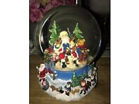 New Large musical Snow Globe