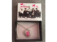 1D one direction necklace new in box