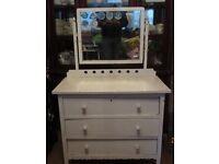 Vintage chest of draws with mirror ...needs restoring ...great shabby chic project