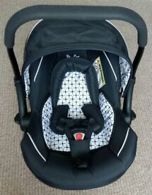 Bargain!! Silver Cross car seat in Excellent condition