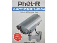 DUMMY CCTV CAMERA WITH FLASHING LED LIGHT - NEW & BOXED £5