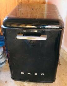 SMEG RETRO FREE STANDING DISHWASHER BLACK GOOD CONDITION £195 CAN DELIVER
