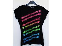 Women's Size 10 New Look Printed T-Shirt - Black / Multi Coloured Zip Print