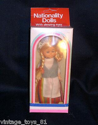Vintage Nationality Puppe mit Schlaf Augen in Box Finnland Mädchen Altes Blond