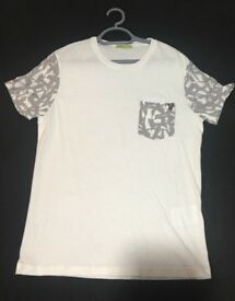 Versace Jeans White Mens T-Shirt Small Brand New