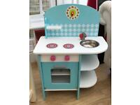 Children's play kitchen wooden £10