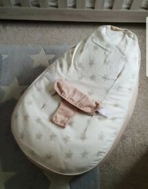 Bambeano neutral beige star baby beanbag chair with clip strap