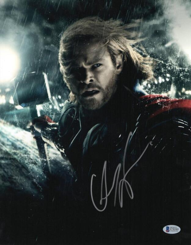 CHRIS HEMSWORTH THOR SIGNED 11X14 PHOTO THE AVENGERS AUTOGRAPH BECKETT COA B