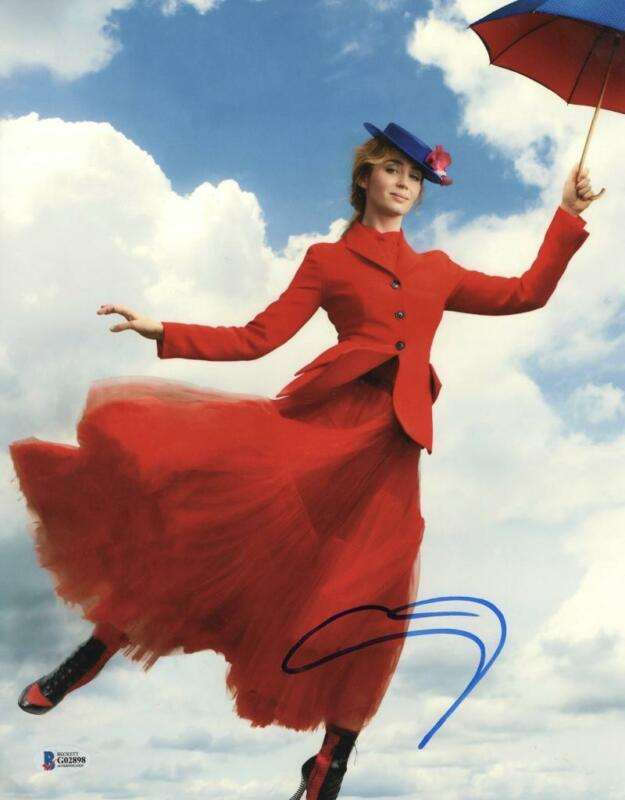 EMILY BLUNT SIGNED 11X14 PHOTO MARY POPPINS RETURNS AUTHENTIC AUTOGRAPH BECKETT