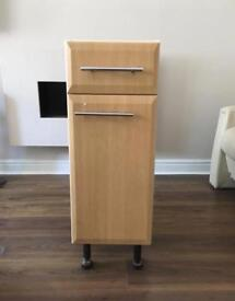 Kitchen base unit with draw