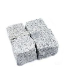 GRANITE SETTS SILVER GREY PAVING COBBLES 100 mm x100 mm x50mm ( 1 tonne- 9m2 )