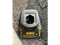 Dewalt DE9118 battery charger