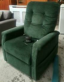 Rise and tilt electric recliner chair in good condition can deliver