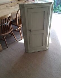 Attractive Corner Cupboard Unit - Nicely made and painted - Totnes Devon £100