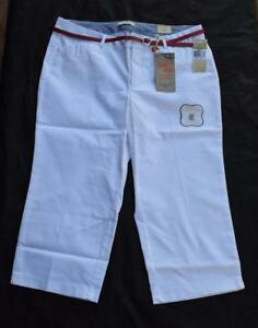 de7bdb71718 NWT Dockers Metro Capri Truly Slimming White Pants with Belt Size 16P MSRP   42