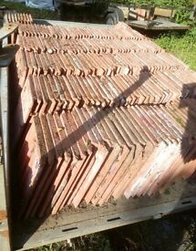 200 flat concrete roof tiles, 300mm/425mm as pictured