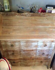 Loaf Quill Desk Bureau