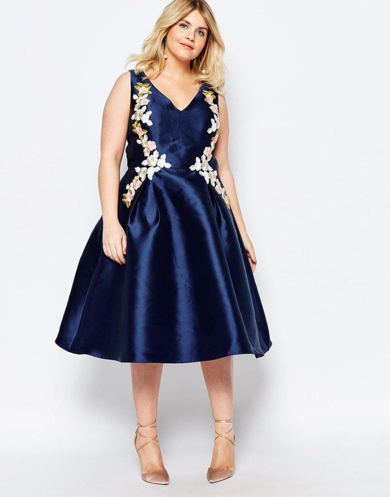 Chi chi curve london navy blue dress size 22 and accessories in chi chi curve london navy blue dress size 22 and accessories ombrellifo Image collections