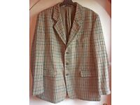 MAN'S TWEED SPORTS JACKET BY HOGGART of ABERFELDY. Size 44 / New without Tags.