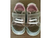 Girls Clarks shoes size 5.5G